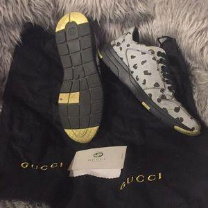 Gucci Shoes - 🌲GUCCI🎁 FINAL SALE🎄🎁